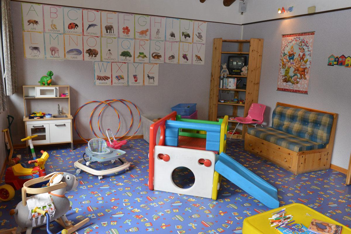 Stanza Dei Giochi Bambini : La stanza dei giochi petit hotel